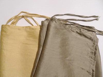 シルクの枕カバー