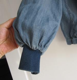 ブルゾンのふんわり袖