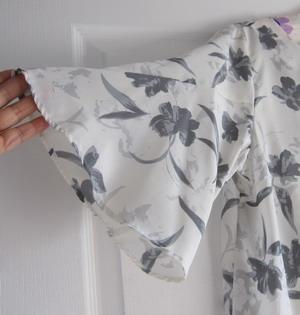 フレアシャツの袖